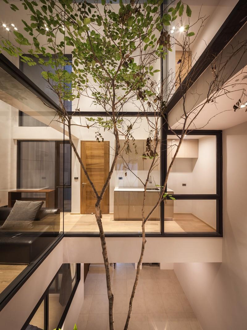contemporary-architecture_030915_21-800x1070 - Dintr-o ruina apare o casa moderna cu interioare spectaculoase