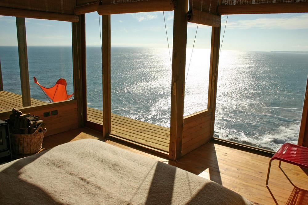 Dormitorul, vedere spre ocean - Frumusete la inaltime - interior