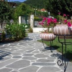 Ardezie poligonala Kavala - Lespezi - Piatra naturala decorativa kavala ardezie