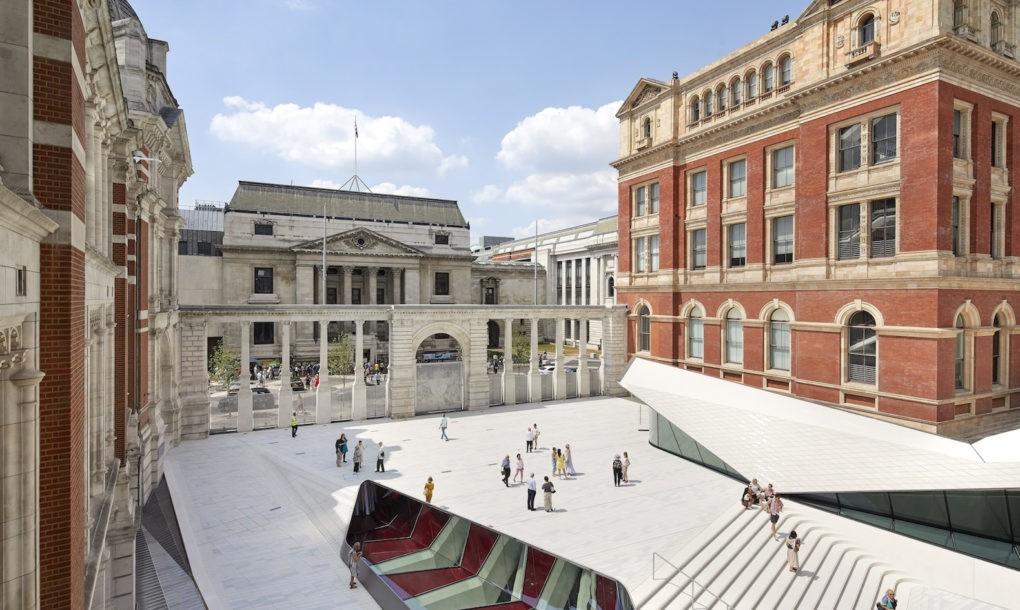 Prima curte interioara placata cu portelan - Prima curte interioară placată cu porțelan aparține Muzeului V&A, Londra