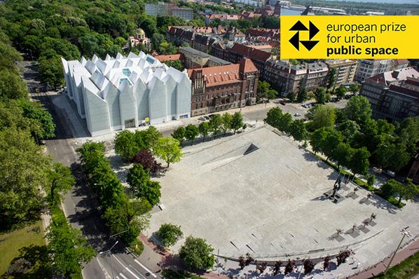 """Centrul pentru Dialog """"Przełomy"""" - Castigatorul Premiului European pentru Spatiul Public Urban in premiera la Bucuresti"""