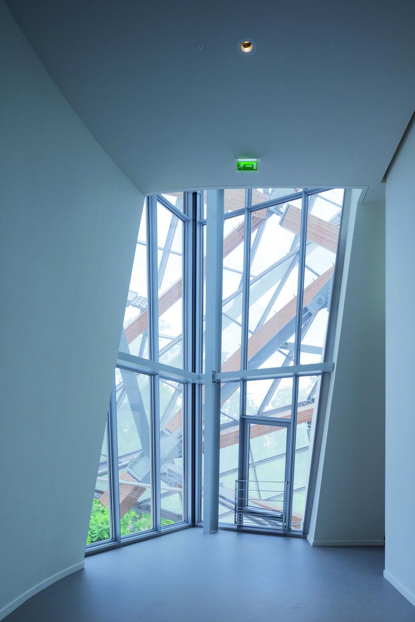 Fundatia Louis Vuitton Paris - o constructie avangardista un simbol al arhitecturii moderne - Fundatia Louis