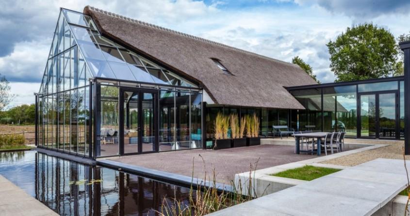 O casa din Olanda cu vitraje mari asemeni unei sere - O casa din Olanda cu