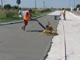 Etapa din lucrarea de reconditionare a suprafetei betonului cu ReBeton - Reconditionare suprafete betoane degradate cu
