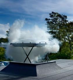 Fereastra pentru evacuare fum pentru acoperis terasa - VELUX CSP - Ferestre pentru evacuare fum pentru acoperis terasa - VELUX