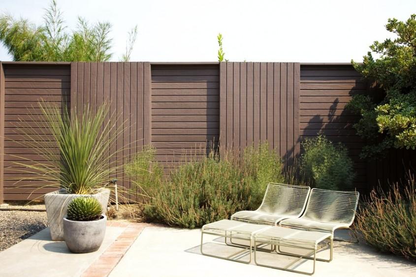 Gard incrucisat - Cateva idei altfel pentru garduletele decorative de gradina