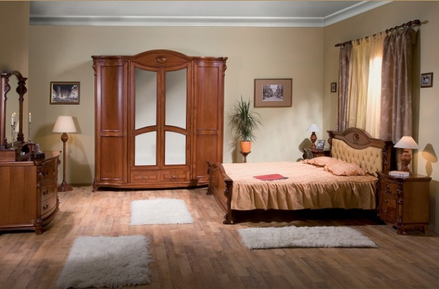 Dormitor Elysee - Mobila de dormitor din lemn masiv: standard sau la comanda?