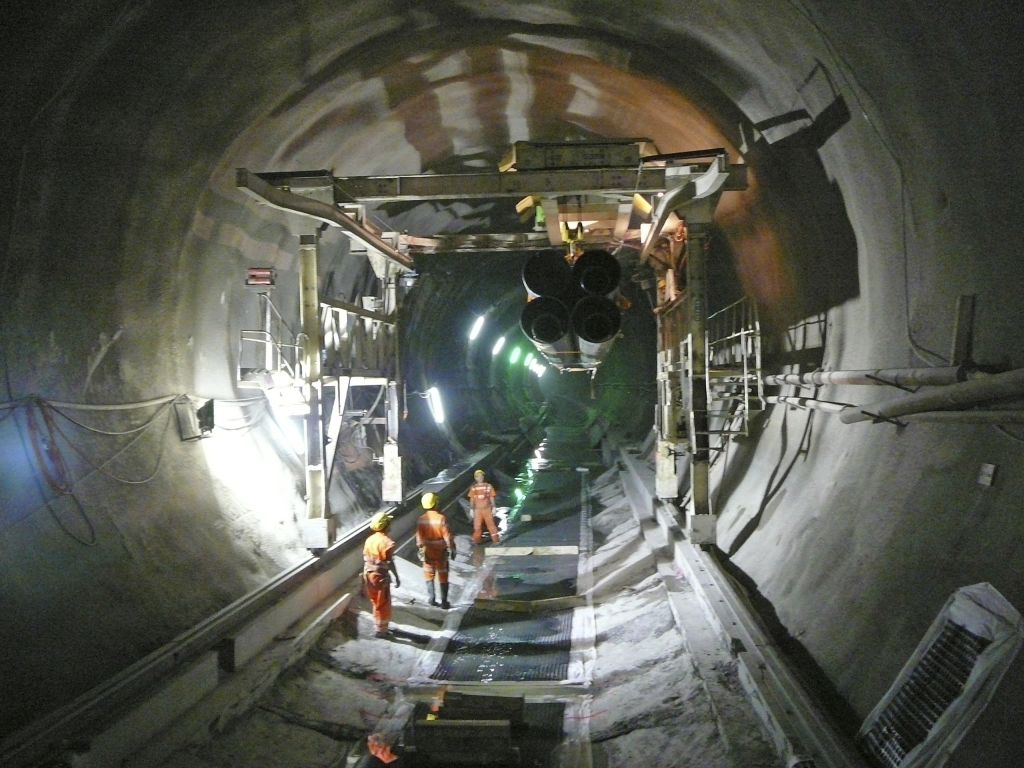 Tehnologii revolutionare Sika - tunelul feroviar Gotthard (Gotthard Base Tunnel - GBT) Elvetia - Tehnologii revolutionare