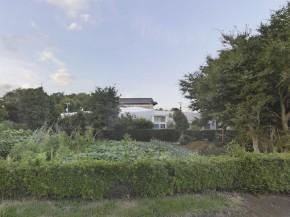 O anvelopanta din otel defineste noua locuinta a unui fermier din Japonia - O anvelopanta din otel defineste noua locuinta a unui fermier din Japonia