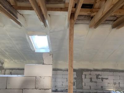 Izolatie mansarda - Izolatie termica pentru mansarde cu spuma poliuretanica