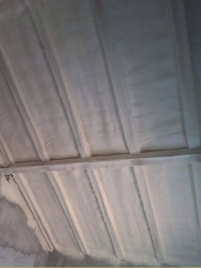 izolatie termica mansarda - Izolatie termica pentru mansarde cu spuma poliuretanica