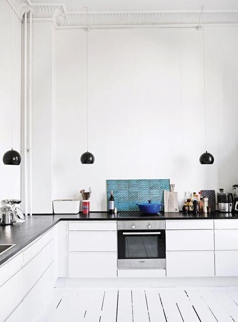 Cateva exemple de bucatarii minimaliste - Cateva exemple de bucatarii minimaliste