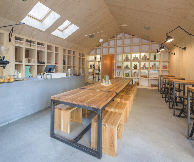 Bar - cafenea intr-un spatiu neconventional - Bar - cafenea intr-un spatiu neconventional