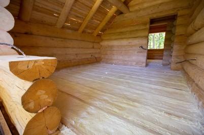 Aspect din interiorul cabanei - lucrare realizata de SIRO IZOLATII - Lucrari realizate de SIRO IZOLATII