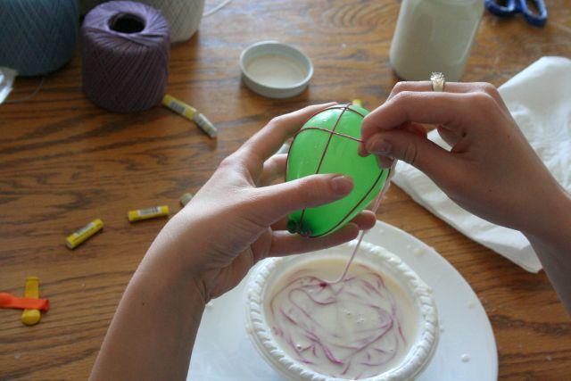 Decoratiuni de Paste - oua din fire de mohai - Decoratiuni de Paste - oua din