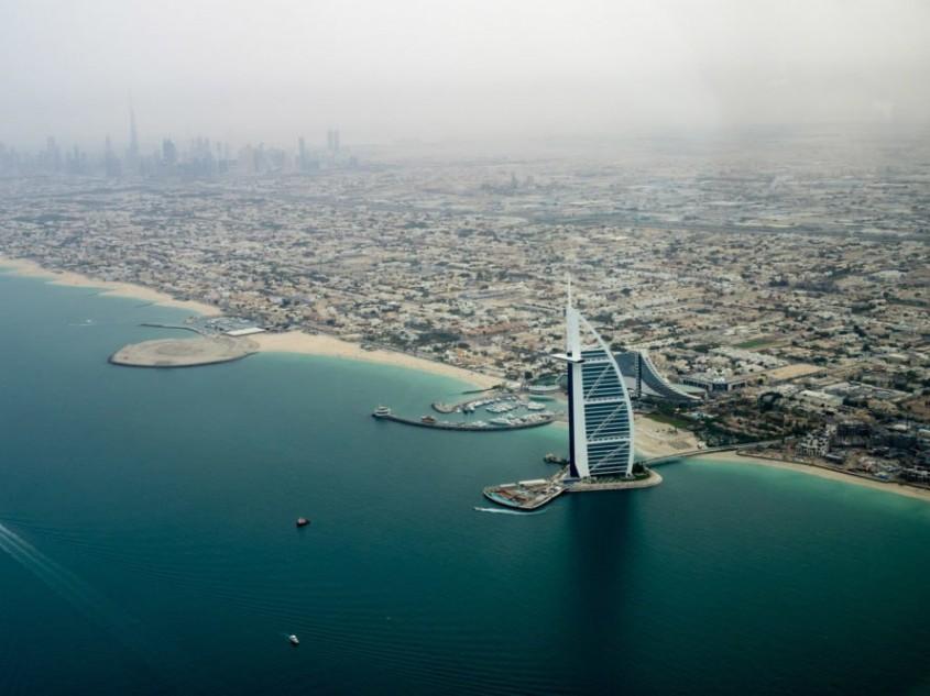 Prima bucătărie plutitoare din lume apare în Dubai - Prima bucătărie plutitoare din lume apare în