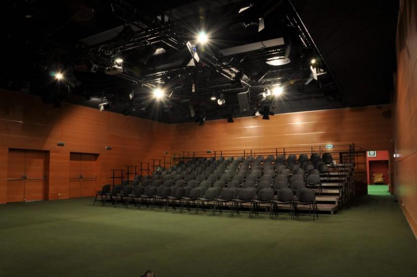 Sala Media - Desfumare cu motoare SIMON RWA la Teatrul National