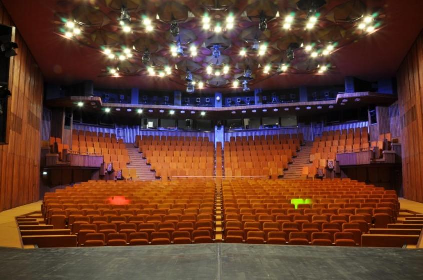 Sala Studio - Desfumare cu motoare SIMON RWA la Teatrul National