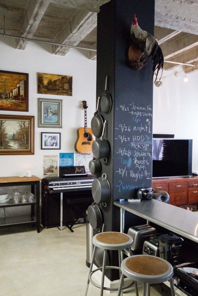 Un studio pentru un gentleman celibatar - Un studio pentru un gentleman celibatar