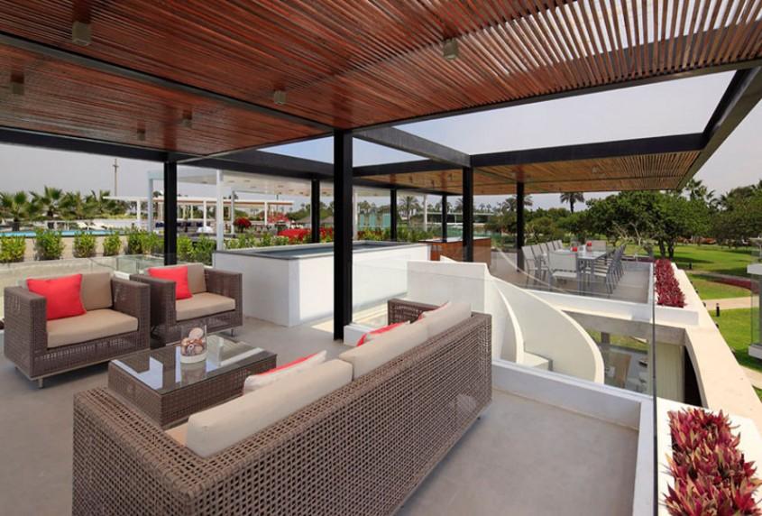 Un living pe acoperis amenajat pentru zilele de vara - Un living pe acoperis amenajat pentru