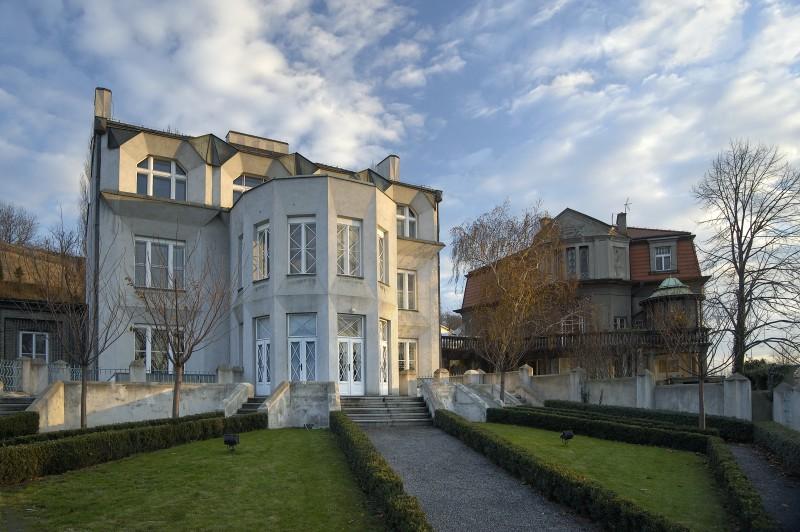 praha_-_kovarovicova_vila_800x532 - O călătorie arhitecturală prin Praga, orașul celor 100 de clopotnițe - partea a II-a