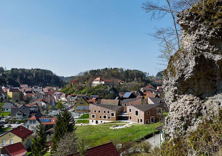 Lemnul ofera o noua estetica arhitecturii medievale - Lemnul ofera o noua estetica arhitecturii medievale