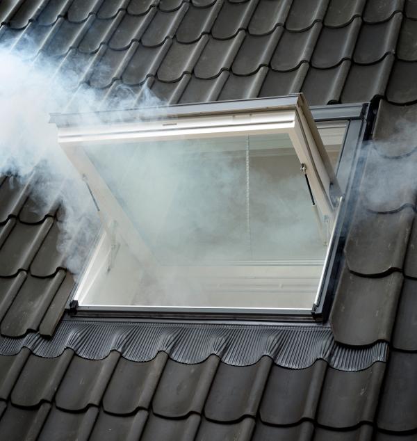 VELUX - evacuare fum la exterior - Sistem performant pentru evacuarea fumului - de la VELUX