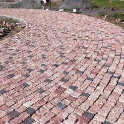 Piatra Cubica Granit Maple Red Natur 10 x 10 x 8cm (1tona = 7mp) - Piatra cubica