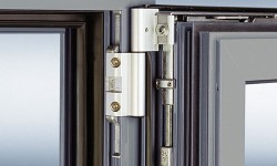 Feronerie oscilo-batanta JET AK8 pentru ferestre si usi de balcon din metal - Feronerie pentru ferestre si usi de balcon GU