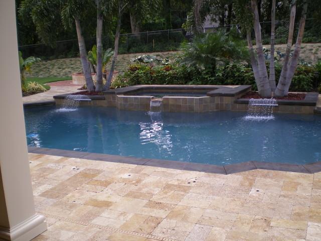 Piscina cu travertin - Piatra naturala pentru piscina