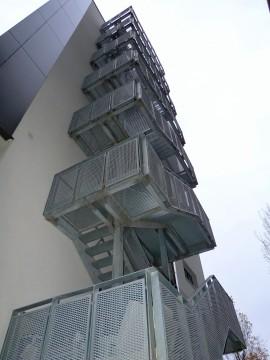 Scara de incendiu Hotel Mercure - Podine si trepte din tabla expandata