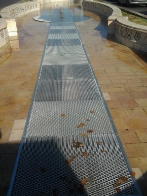 Podine fantani Splai Unirii - Podine si trepte din tabla expandata
