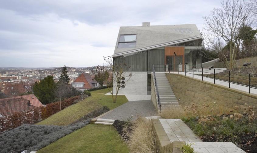 O casa deosebita din sticla si materiale reciclate - O casa deosebita din sticla si materiale