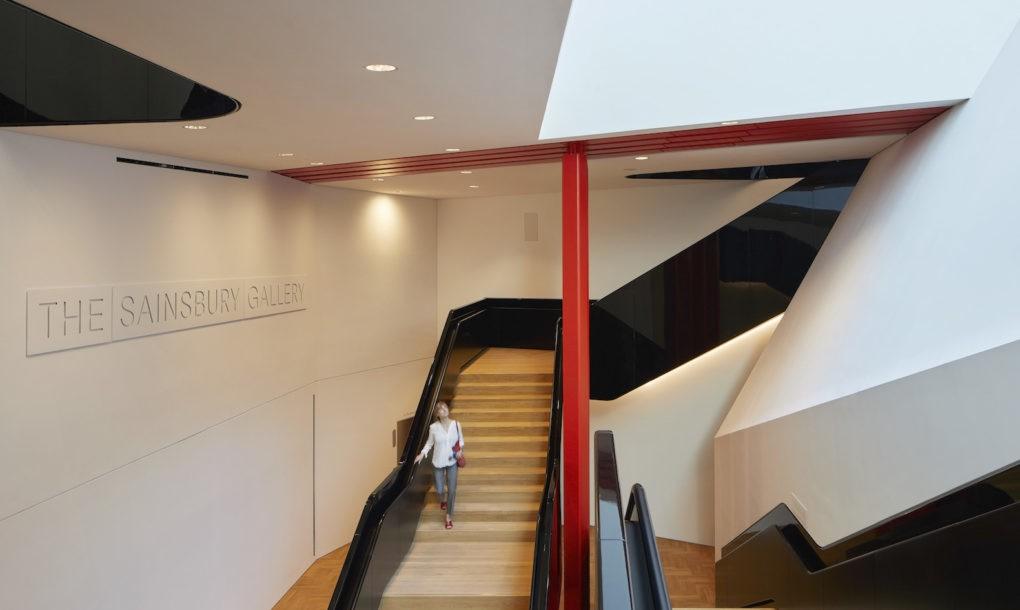 Muzeul V&A, Londra - Prima curte interioară placată cu porțelan aparține Muzeului V&A, Londra