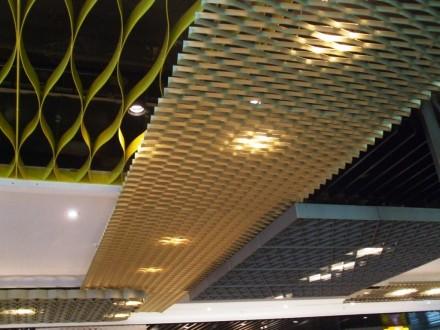 Plafon aeroport - Plafoane metalice rezistente la foc