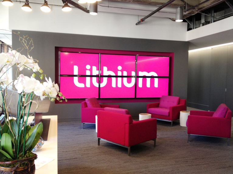 Birourile Lithium Technologies - Un spatiu de lucru care combina elemente de design din stiluri diferite