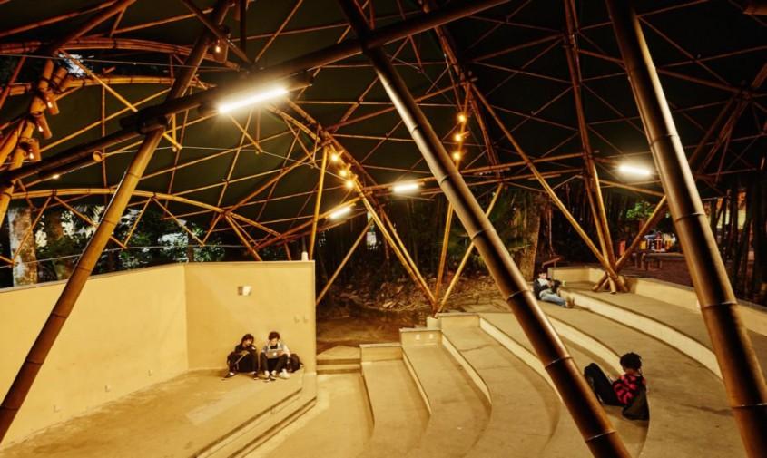 Bamboo Amphiteater Space Structure - Frumusețe în natură un amfiteatru din bambus asamblat în doar 25