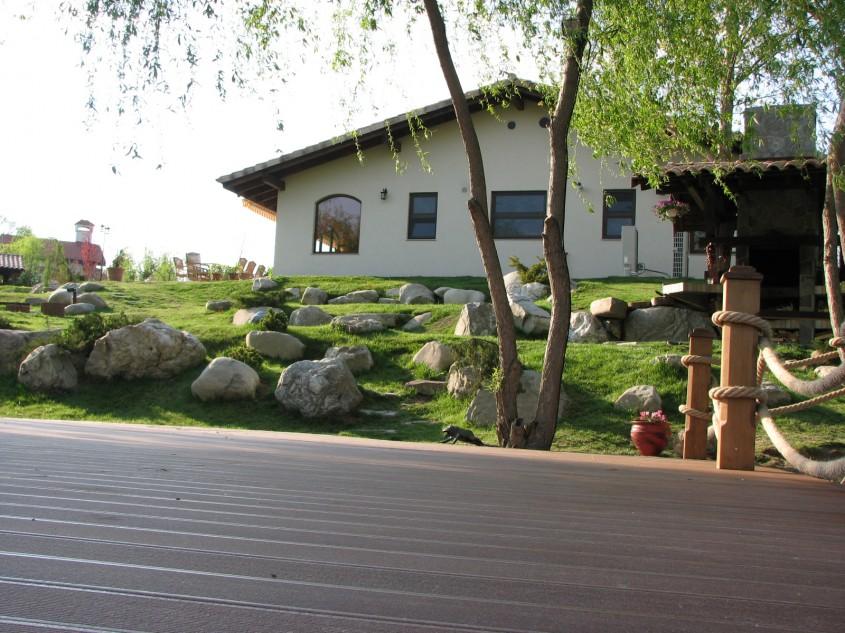 Ponton Corbeanca  - De ce sa alegi pavimentele Decodeck la amenajarea gradinii?