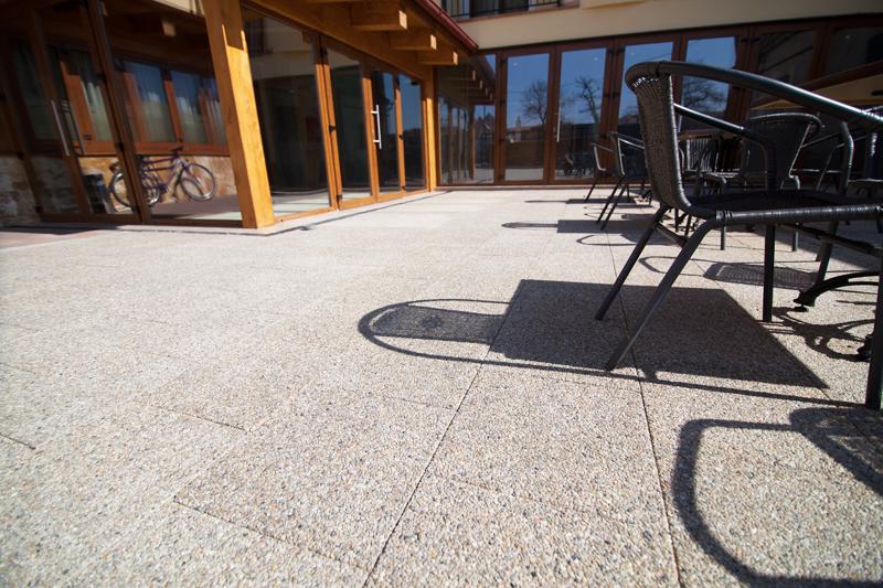 Dalele Mozaic - Trenduri in pavaje - pavele de mari dimensiuni