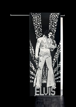 Usa glisanta cu montaj la exteriorul peretelui Elvis Presley, figura intreaga - Usi glisante la exteriorul peretelui