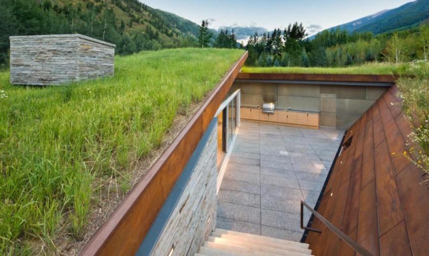 House-in-the-Mountains-by-Gluck-9-1020x610 - O casa acoperita cu pamant si vegetatie pentru un plus de eficienta