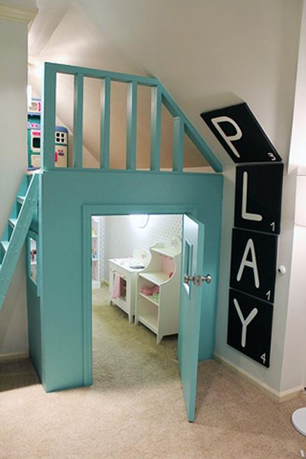 Un loc de joaca conceput pentru opt nepoti de varste diferite - Un loc de joaca