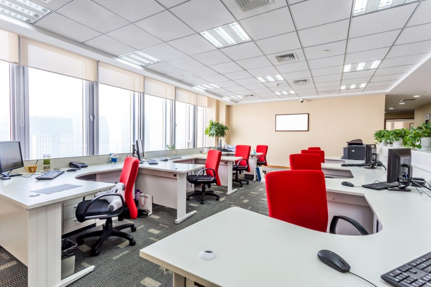 Cum îți poți îmbunătăți amenajarea de la birou? Sfaturi pentru angajatori și angajați – partea a