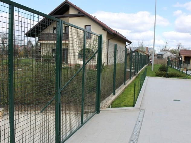 Alege un gard care sa iti tina gradina sanatoasa - Alege un gard care sa iti