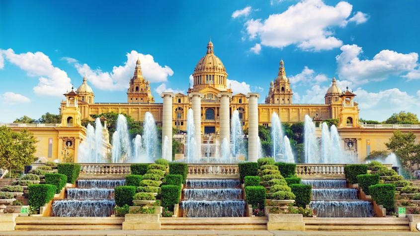 Arhitectura din operele lui Antonio Gaudi - Arhitectura din operele lui Antonio Gaudi
