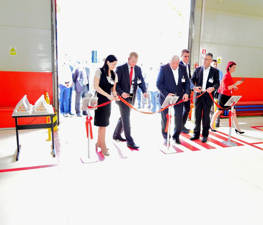 20 de ani de parteneriat Elmas-Linde Material Handling in Romania - 20 de ani de parteneriat