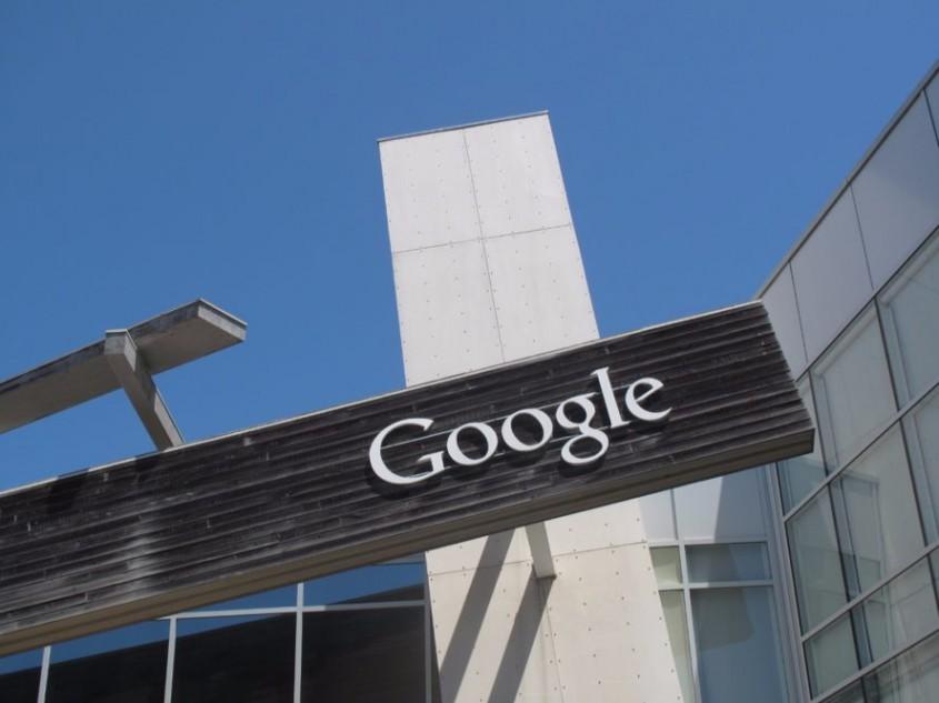 Compania Google va fi alimentată 100% cu energie regenerabilă pana în anul 2018 - Compania Google