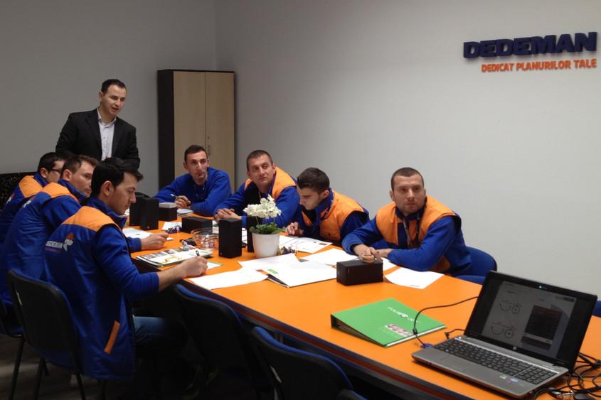 Targu Jiu - RoofArt sustine training-uri de produs in magazinele DEDEMAN