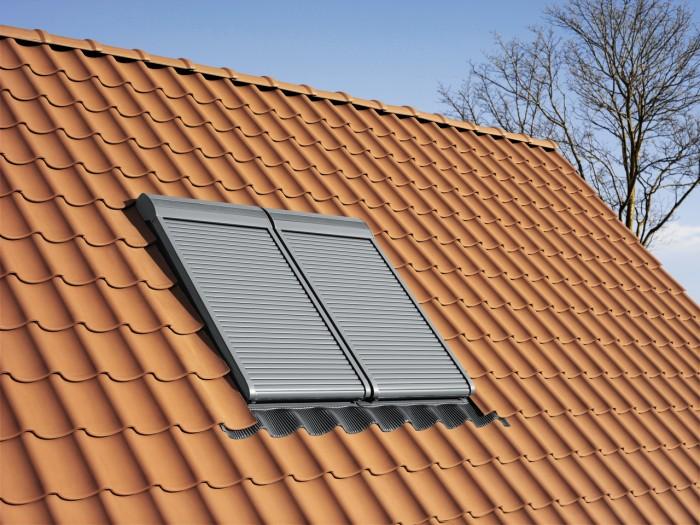 Roleta exterioară asigură protecție totală  - Cum îți protejezi eficient mansarda împotriva căldurii și a insectelor