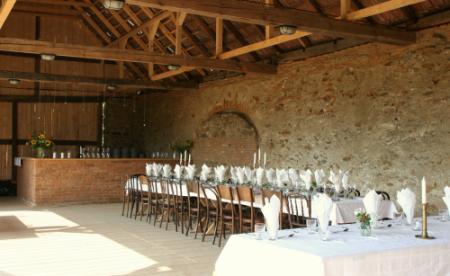 Grajdurile parohiei transformate in spatii de locuit - Casele de Oaspeti Cincsor - o restaurare excelenta pentru turismul autentic